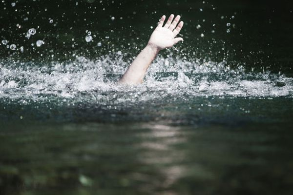 Adventist congregation hurls newly-baptized member into deep end of pool