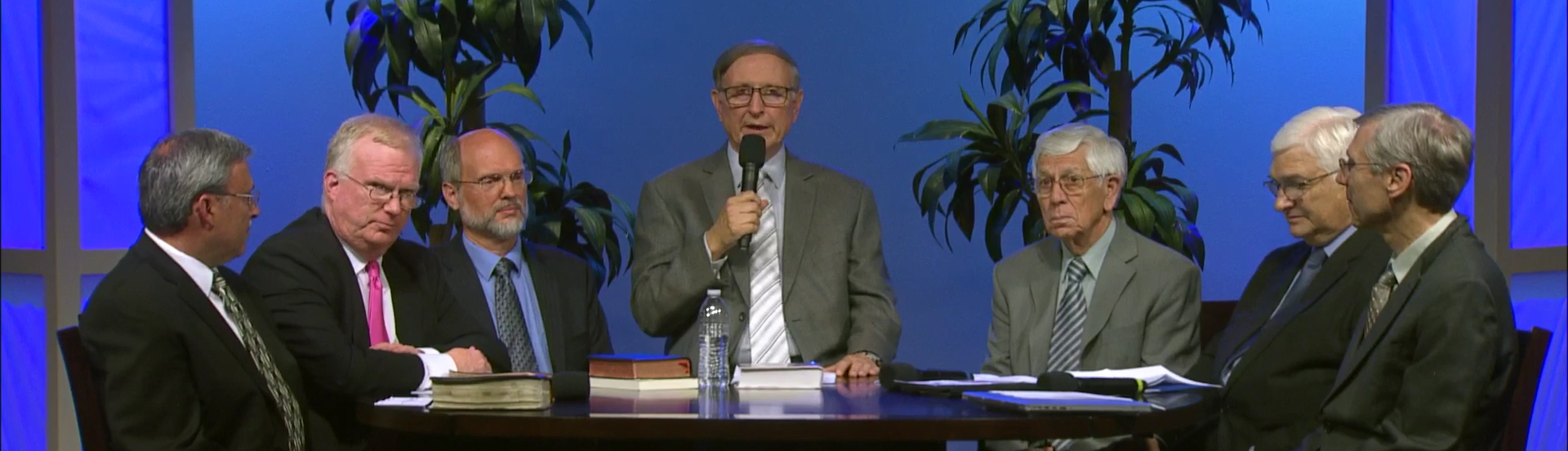 """Zach Galifianakis licenses """"Between Two Ferns"""" to Adventist Independent Ministry"""