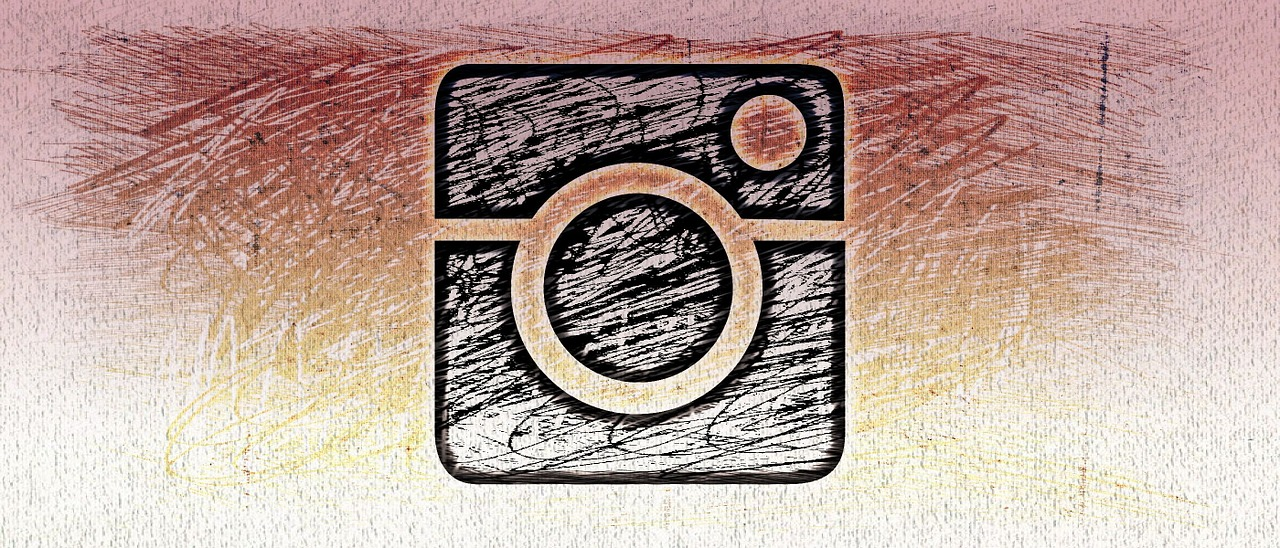 "Instagram ""Adventist"" Filter Removes Jewelry"