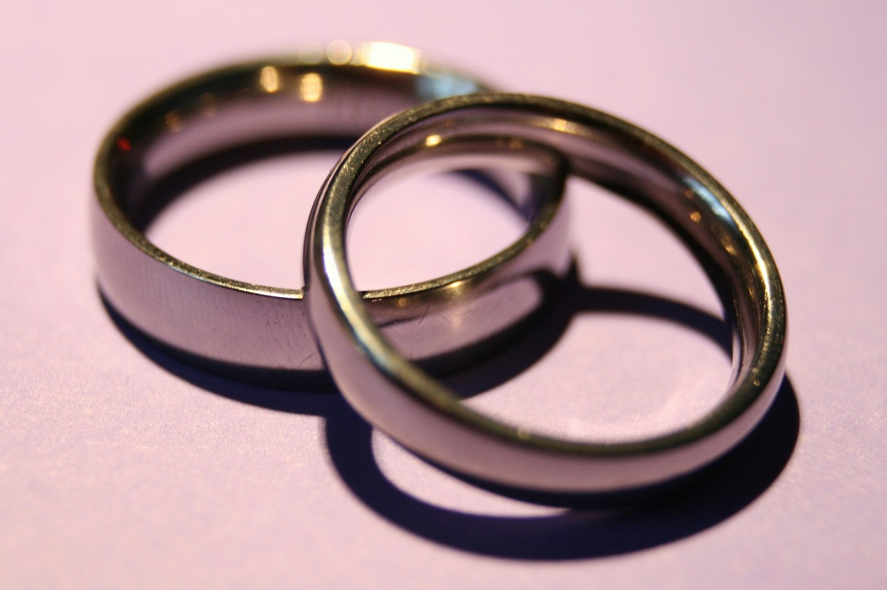 "GC Requires Wedding Bands, Admits Ringless Marriages ""Super Confusing"""